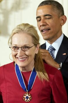 Meryl Streep recieves the nation's highest civilian honor- the presidential medal of freedom, Barack Obama ➰ Amy_Claire ➰ Female Actresses, Actors & Actresses, Barack Obama, The Iron Lady, Iconic Women, Nbc News, Michelle Obama, Best Actress, American Actress
