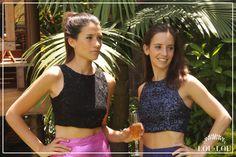 Mechi: top Nantes en encaje con lentjuelas negro / Sofi: top Alessia en paillettes azul