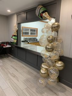 9 ideas for party ideas diy decorations new years event 6 21st Birthday Decorations, 40th Birthday Parties, Mom Birthday, Birthday Balloons, 50th Birthday Party For Women, Diy New Years Eve Decorations, Champagne Balloons, Champagne Party, Nye Party