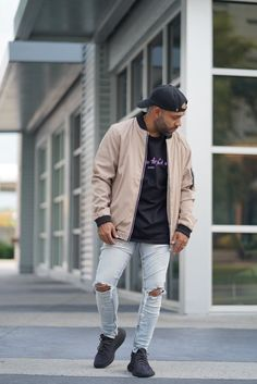 This regular-fit bomber jacket is made of water-resistant elastic cotton blend fabric. Has Mandarin collar and zipper closure. Perfect plain-colored bomber for every hypebeast to rock. Buy Clothes Online, Mandarin Collar, Hypebeast, Size Clothing, Mists, The Twenties, Camouflage, Streetwear, Windbreaker