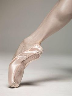 • POINTE SHOES • | Misa Kuranaga | 31 Aug 2015 | I wonder how many tendus I've done in my life. | Photo: Nisian Hughes