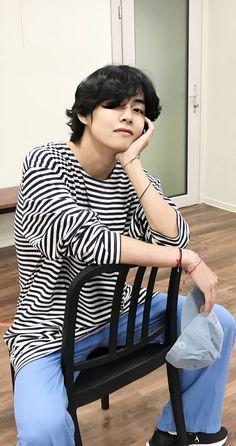 V Taehyung, Daegu, Foto Bts, Bts Boys, Bts Bangtan Boy, Jimin Jungkook, Yoongi Bts, Namjoon, Kpop