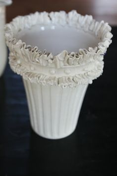 Frances Palmer handthrown pottery..ruffled edge is amazing. |Pinned from PinTo for iPad|