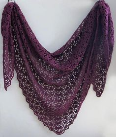 http://www.ravelry.com/patterns/library/south-bay-shawlette