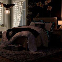 Dark Cozy Bedroom, Edgy Bedroom, Room Design Bedroom, Room Ideas Bedroom, Red Bedroom Walls, Room Ideias, Slytherin, Aesthetic Room Decor, Dream Rooms