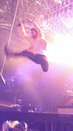 Tyler Joseph, Twenty One Pilots, The Twenties, Famous People, Friendship, Concert, Bb, Pink, Concerts