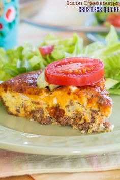 Low Carb Bacon Cheeseburger Crustless Quiche - this delicious egg recipe is filled with ground beef, bacon, and cheese. Just add your favorite hamburger toppings for an easy gluten-free and keto-friendly breakfast, brunch, or breakfast for dinner. Quiche Recipes, Egg Recipes, Gluten Free Recipes, Cooking Recipes, Cheese Recipes, Bacon Recipes, Hamburger With Egg, Hamburger Meal, Recipes