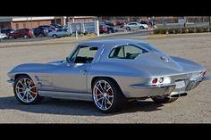 Pro-Touring Split Window Corvette, Chevrolet from The Bay City Motor Company Classic Corvette, Chevy Classic, Classic Cars, Custom Muscle Cars, Chevy Muscle Cars, 1965 Corvette, Chevrolet Corvette, 1969 Chevelle, Corvette Summer