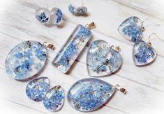 Galeria biżuterii z żywicy z Wtorkowego Maratonu rękodzielniczego | Royal-Stone blog Chrochet, Resin Crafts, Epoxy, Diy, Stud Earrings, Beads, Stone, Jewelry, Blog