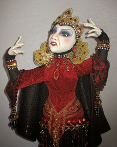 Witch Crafts - Dolls by Arley Berryhill - The Evil Queen stump doll