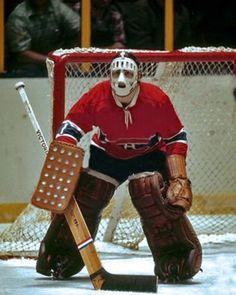 Rogatien Vachon : Froissé l'année précédente par le coloré entraîneur des Leafs, Punch Imlach, qui l'avait comparé à un « gardien de junior B », Vachon a prouvé à sa deuxième saison qu'il avait sa place parmi les grands. Partageant la tâche avec Gump Worsley, Vachon a subi seulement 13 défaites en 39 départs en saison régulière. Le Tricolore a conclu la saison au sommet de la Division Est, s'inclinant une seule fois en séries, en route vers la conquête de la coupe Stanley.