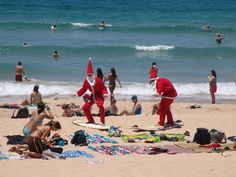 Christmas at Manly Beach, Sydney, New South Wales, Australia Weird And Wonderful, Wonderful Time, Opera Software, Christmas In Australia, Manly Beach, Beach Christmas, Christmas Ideas, Holiday Travel, Places To See