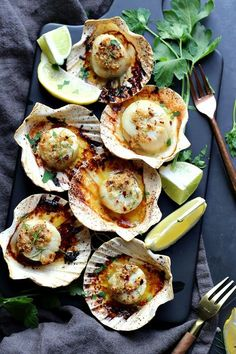 Bring a taste of the seas to your home in this sophisticated Sea Scallops recipe, baked in a garlicky oil sauce served with a splash of lemon. Fish Dishes, Seafood Dishes, Fish And Seafood, Thai Shrimp, Spicy Shrimp, Honey Shrimp, Fish Recipes, Seafood Recipes, Cooking Recipes