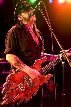 Lemmy Kilmister, Motorhead, bassmonster
