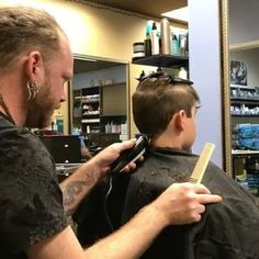 ✂💈Just a little behind the scenes video of @cpowell1980 working his cutting skills. ✂📞 Call the salon to book. 813.801.9700 #hairvideo #video #boomerang  #fade #fadehaircut #guys #guyshair #menshair #menshaircut #haircut #selfie  #tampa #tampahair #hair  #buzzfeed #olaplex #modernsalon #smile #guy #barber  #dappermen #dapperstyle  #blondehair  #men  #southtampa #boys #kidshair  #boyshaircut  #kids #kidshaircut