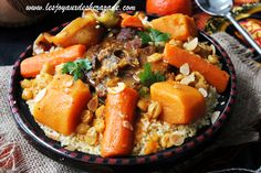 Le couscous est incontestement berbère et plus je cherche, plus je découvre qu'il y a des dizaines et des dizaines de variétés de couscous en Algérie. I