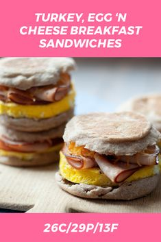 """""""This healthy Turkey Egg 'n Cheese Breakfast Sandwich is THE make-ahead recipe that every busy Macrostaxer should have on hand! Assemble 4 (or sandwiches in less than 30 minutes, stash them Breakfast For Dinner, Diet Breakfast, Breakfast Bowls, Breakfast Recipes, Macro Friendly Recipes, Macro Recipes, Whole Wheat English Muffin, Macros Diet, Freezer Breakfast Sandwiches"""