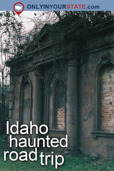 Here's The Ultimate Terrifying Idaho Road Trip And It'll Haunt Your Dreams Travel Tours, Travel Usa, Canada Travel, Real Haunted Houses, Haunted Hotel, Craters Of The Moon, Best Beaches To Visit, Spooky Places, Most Haunted Places