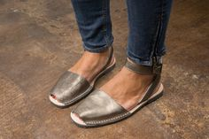 Avarcas USA - Women's Spanish leather sandals, aka menorquinas, abarcas or avarques, 100% handmade in Spain by Avarca Pons, a unique design ...