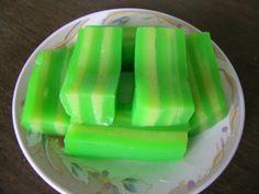 Playing with My Food: Bánh Da Lợn (Steamed Tapioca Layered Cake)