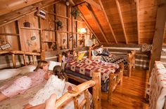 Charmant Sleeping Loft In Cabins At Silver Dollar Cityu0027s The Wilderness, Branson,  Missouri