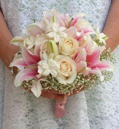 bouquet-de-noiva-lirios-e-rosas