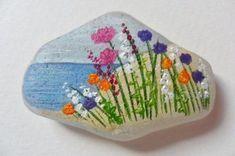 46 Amazing Diy Rock Painting Best Ideas - LuvlyDecor