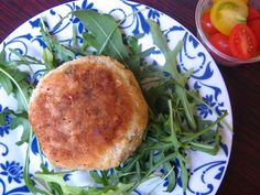 Basic fish cake recipe, uses hake and mashed potato, is listed in the main meals on Stuffed Feeling offering families dinner ideas. Healthy Family Meals, Quick Meals, Healthy Snacks, Fish Cakes Recipe, Fishcakes, Tasty Kitchen, Seafood Dishes, Light Recipes, Main Meals