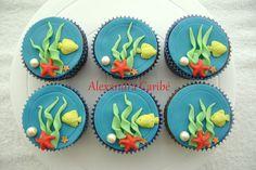 Cupcakes de fundo do mar- under the sea cupcakes by Alexandra Bolos Artísticos, via Flickr