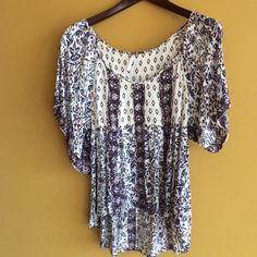 Cute soft Free People flowy top Really cute top size small Free People Tops Blouses