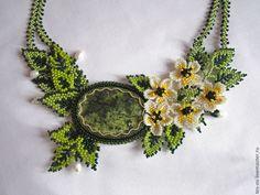 """Купить Колье """"Весна пришла"""" со змеевиком - зеленый, колье с камнями, колье ручной работы"""