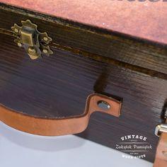 pudełko wspomnień skórzane paski. walizka na wspomnienia