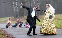 Funny Wedding Photos Here Comes The Humor: 23 Funny Wedding Pictures That'll Make You! - A wedding is such a joyous occasion filled with family, friends, love and in this case — humor too! Get your laugh on to these 23 funny wedding pictures! Crazy Wedding Photos, Awkward Wedding Photos, Wedding Pictures, Wedding Fail, Wedding Humor, Wedding Stuff, Marriage Images, Wedding Reception Invitations, Wedding Ceremony
