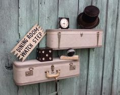 1000 images about valises on pinterest suitcases - Etagere murale vintage ...