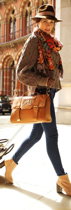 What Are the Best Crossbody Bags for Travel? http://boomerinas.com/2013/02/best-crossbody-bags-for-travel-women-over-40-50-60/