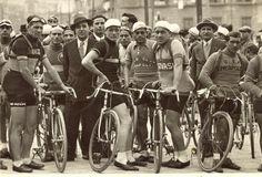 Officine 99 - bici d'epoca, vintage e old style riconvertite in fixed e single speed: 1930. Napoli..