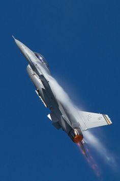 F-16 pulling up for Immelmann turn