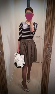 Striped blouse with brown gathered skirt and silver heels - http://ameblo.jp/nyprtkifml