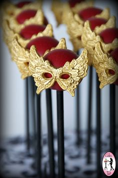 Masquerade cake pops for a senior ball dinner. How fun! :) Made by Cakes by Tali. www.facebook.com/cakesbytali www.cakesbytali.com