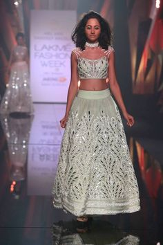 Scarlet Bindi - South Asian Fashion Blog by Neha Oberoi: LAKME FASHION WEEK WINTER FESTIVE 2015: ABU JANI SANDEEP KHOSLA