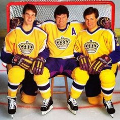 Luc Robitaille, Marcel Dionne and Jimmy Carson, Remember watching these guys practice at the culver city rink Pro Hockey, Hockey Games, Hockey Goal, Marcel Dionne, La Kings Hockey, Hockey Pictures, Pittsburgh Penguins Hockey, Sports Uniforms, Los Angeles Kings