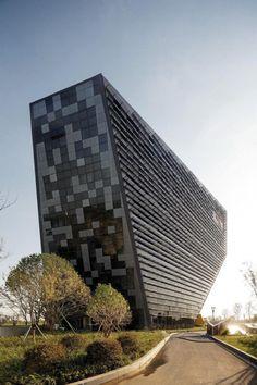 Architects: LAB Architecture Studio, SIADR Location: Wujin, Changzhou, Jiangsu, China Project Leader: Donald Bates, Andy Wang Area: 27295.0 sqm Year: 2013 Photographs: John Gollings, Ryuji Miya, Boron