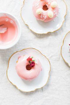 Easy Donuts | homemade doughnuts | Easter dessert | Lauren Kelp