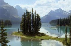 Maligne Lake in Jasper Town & Around - Lonely Planet