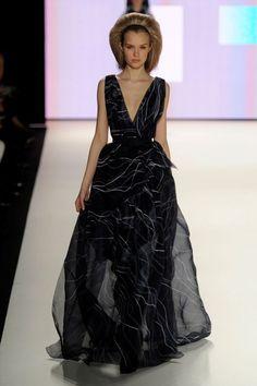 Carolina Herrera dress, so flowy!