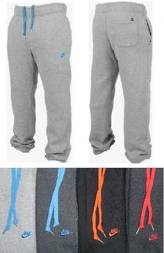 Nike sweatpants, these look so comfy! Sporty Outfits, Nike Outfits, Sporty Style, Athletic Outfits, Fitness Fashion, Sport Fashion, Athleisure, Nike Fleece, Site Nike