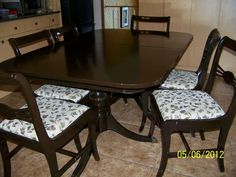 Vintage Wood Thomasville Dining Table Six Chairs On Kijiji Montreal