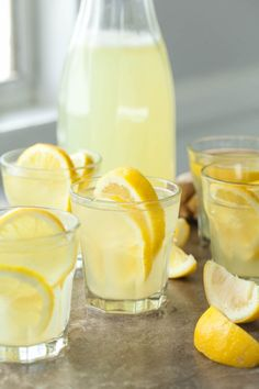 Honey Ginger Lemonade (With 8 Variations) - Fresh ginger add a unique kick to a warm weather classic in this easy homemade honey ginger lemonade. Easy Lemonade Recipe, Healthy Lemonade, Honey Lemonade, Homemade Lemonade, Healthy Drinks, Healthy Tips, Healthy Eating, Ginger And Honey, Fresh Ginger