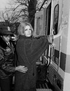 """Gloria Steinem's series """"Woman"""" premieres on Viceland on May It's important that we watch. by lenadunham Feminist Icons, Feminist Quotes, 70s Aesthetic, Aesthetic Vintage, Womens Day Quotes, Gloria Steinem, Lena Dunham, Women In History, Old Women"""