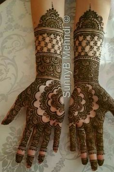 Find bridal makeup artists for your UK asian wedding or event. Specialists in Mua and Mehndi, Indian hair, henna and makeup styles. Mehndi Designs Feet, Indian Henna Designs, Mehndi Designs Book, Mehndi Designs 2018, Stylish Mehndi Designs, Dulhan Mehndi Designs, Wedding Mehndi Designs, Mehndi Design Pictures, Beautiful Mehndi Design